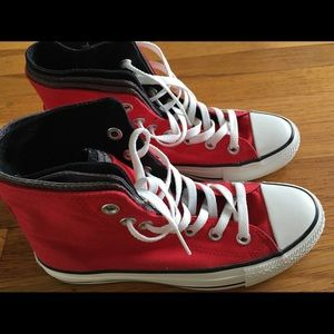 Converse Red sneakers high top size 6